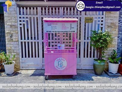 Mẫu xe bán trà sữa bằng gỗ tone hồng dễ thương giá rẻ