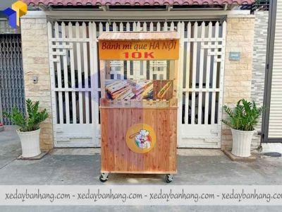 Mẫu xe đẩy bán bánh mì que bằng gỗ pallet nhỏ gọn dễ thương