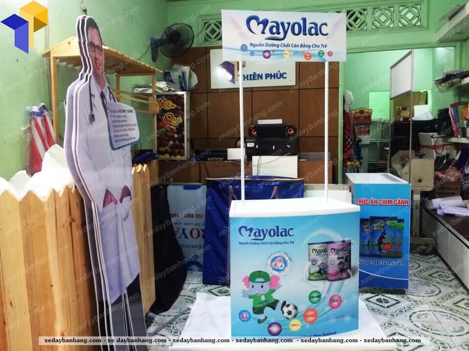 booth sampling nhua MAYOLAC