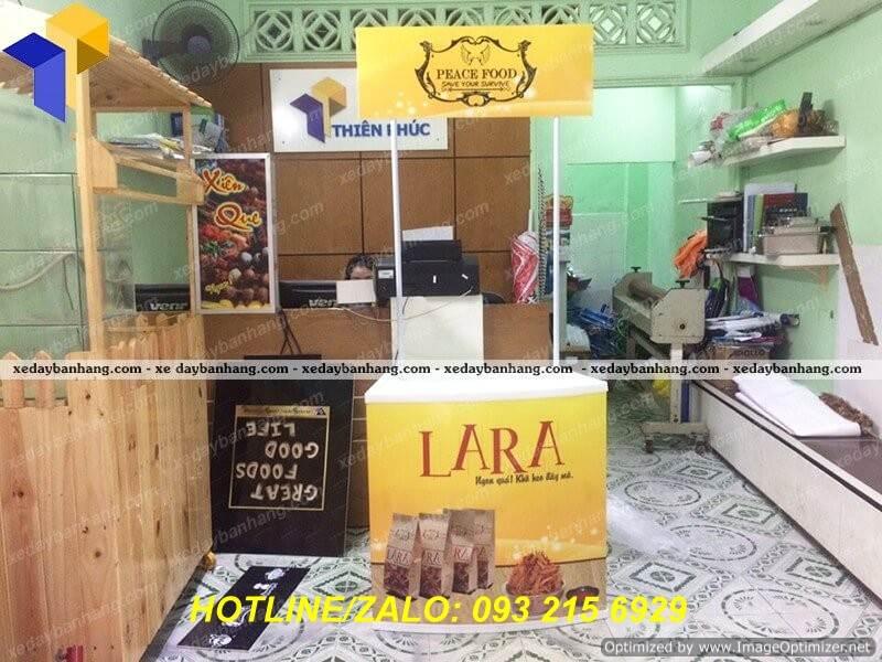 booth nhua ban hang di dong